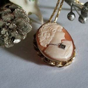 Gorgeous Vintage Monet Cameo Necklace